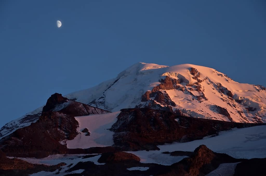 Lyric crystal mountain lyrics : The Perseids & Mt. Rainier | Visit Rainier