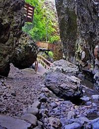 Boulder Cave © Karen Sykes