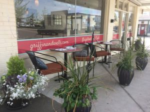 Griffin and Wells outdoor seating in Enumclaw