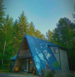 Betsy's Cabins at Rainier