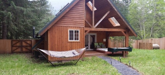 Juniper Cabin part of Rainier Cottages
