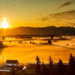 Sunrise hot air balloon Mt. Rainier