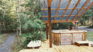 Happy Tails Cabin outdoor hot tub