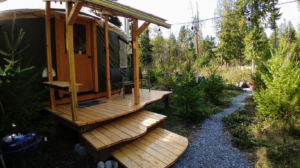 Happy Tails Cabin exterior steps