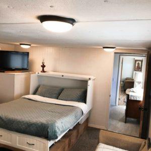 Mason Jar Farm guest room bed