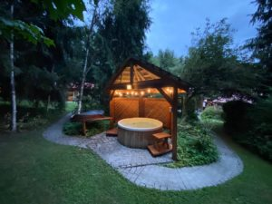 Access to a shared covered outdoor hot tub